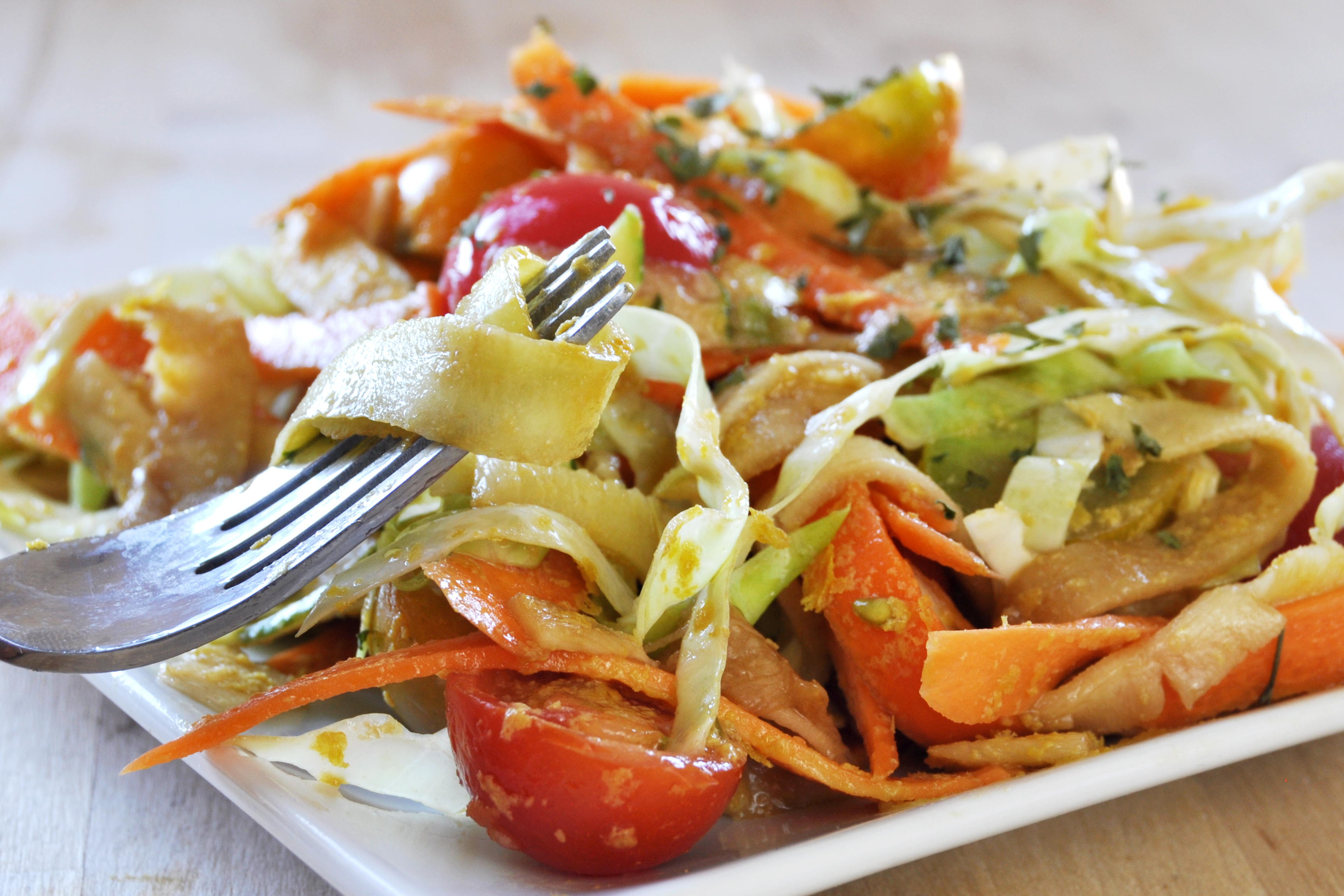 Easy raw vegan summer pasta the colorful kitchen easy raw vegan summer pasta forumfinder Image collections