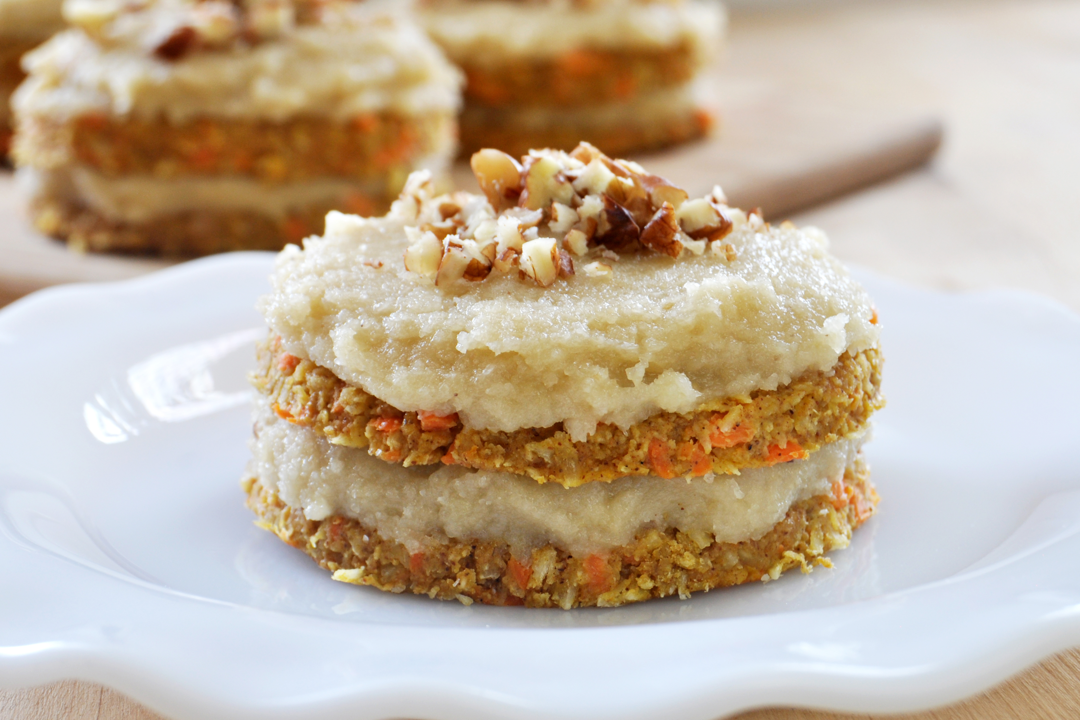 raw carrot cake vegan mini carrot cakes maple vanilla frosting the 6963